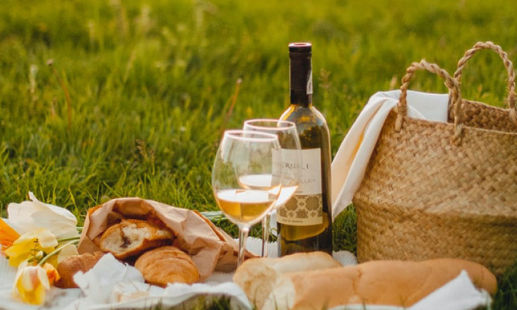 Seven Super Ideas for Preparing the Ideal Picnic in Cheshire